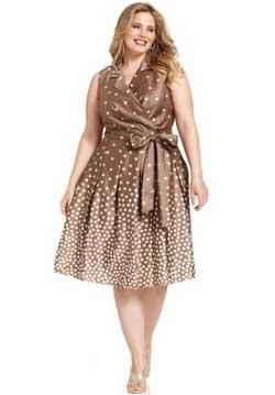 коричневое платье для полных в белый горошек