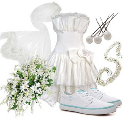 свадебное платье с белыми кедами