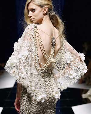 свадебное платье с искусственным жемчугом